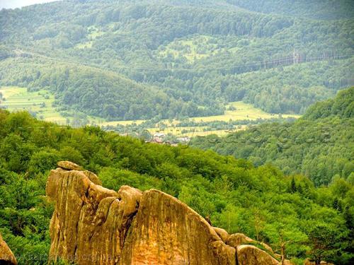 Национальный парк «Сколевские Бескиды» Вид со скал Тустани